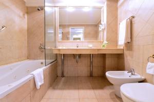 A bathroom at Pestana Buenos Aires