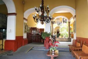 The lobby or reception area at Hotel San Francisco Plaza