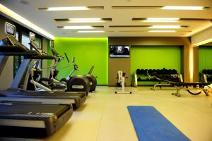 The fitness center and/or fitness facilities at Saifi Suites