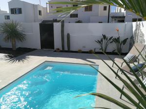 Piscina di MAGMA Rooms Playa Honda o nelle vicinanze