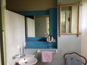 A bathroom at Villa Sequoia