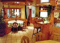 Ein Restaurant oder anderes Speiselokal in der Unterkunft Hotel-Gasthof Sternen
