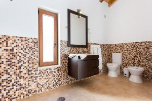 A bathroom at Quinta da Alquimia