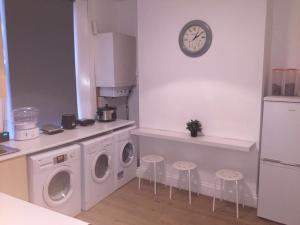 A kitchen or kitchenette at Lewisham