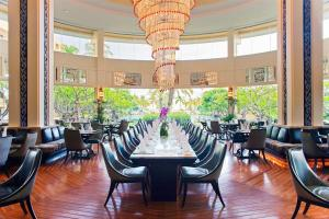 A restaurant or other place to eat at Dusit Thani Hua Hin