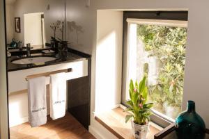 A kitchen or kitchenette at Quinta de Anterronde