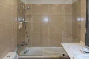 A bathroom at Quinta de Anterronde