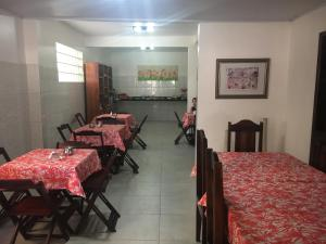 A restaurant or other place to eat at Pousada do Sul