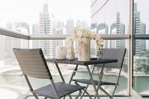 A balcony or terrace at Boutique Living - Park Island Dubai Marina