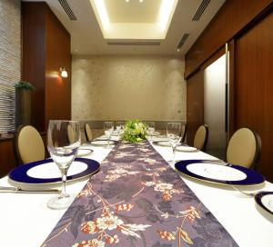 A restaurant or other place to eat at Viale Osaka