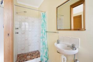A bathroom at Grandview Apartment - Ocean Views