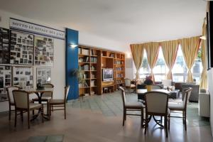 A restaurant or other place to eat at Villa Dei Principi Hotel