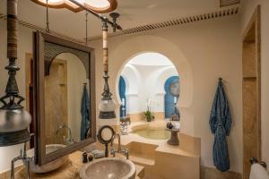 A bathroom at Four Seasons Resort Langkawi