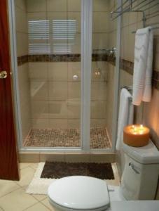 A bathroom at Rustenburg Boutique Hotel