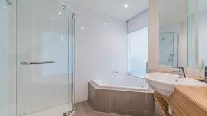 A bathroom at 344 The Waves, Cowes
