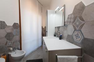 A bathroom at Salerno e le due coste