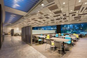 A restaurant or other place to eat at Narita Tobu Hotel Airport
