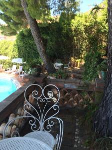 Vista sulla piscina di Hotel Mediterranée o su una piscina nei dintorni