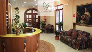 The lobby or reception area at Hotel Park 108