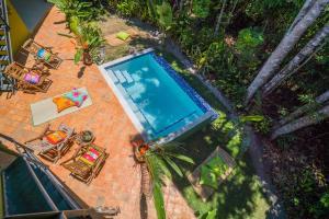 Uma vista da piscina em Casa do Arvoredo ou nos arredores