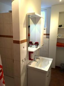 Ein Badezimmer in der Unterkunft Gästehaus Dolce Vita