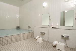 A bathroom at Road Inn Toba