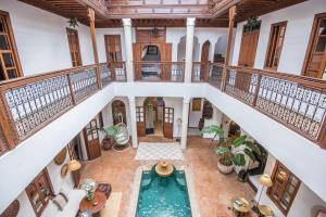 Uitzicht op het zwembad bij Riad Adika & Spa of in de buurt