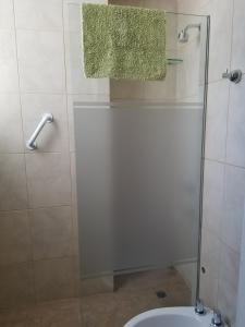 A bathroom at M&A Apartament Centro