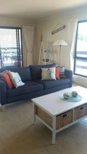 A seating area at Pebbles Beach Retreat