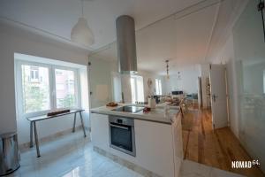 A cozinha ou cozinha compacta de NOMAD 64