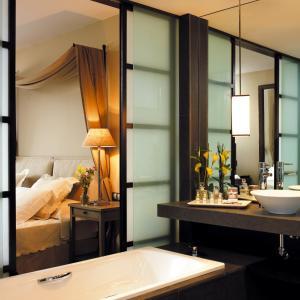Un baño de Asia Gardens Hotel & Thai Spa, a Royal Hideaway Hotel
