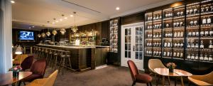 The lounge or bar area at Hilton Brussels Grand Place
