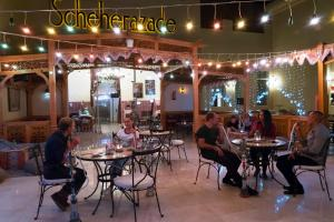 مطعم أو مكان آخر لتناول الطعام في Cleopatra Luxury Resort Makadi Bay