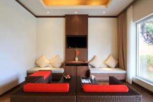 Televiisor ja/või meelelahutuskeskus majutusasutuses Beyond Resort Khaolak - SHA Plus