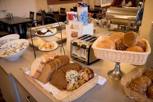 Breakfast options available to guests at Hof van Putten