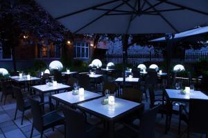 Ресторан / где поесть в Le Saint-Sulpice Hotel Montreal