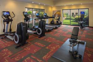 The fitness center and/or fitness facilities at Courtyard Orlando International Drive/Convention Center