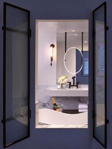 A bathroom at Villagio at The Estate Yountville
