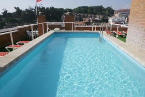 Het zwembad bij of vlak bij Apartaments Rosanna