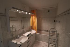 Ein Badezimmer in der Unterkunft Casa Pramalinis - Manstein