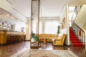 Hall o reception di Hotel Mantegna
