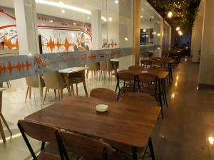A restaurant or other place to eat at Urban Style by Front One