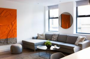 A seating area at Hiding Space Westgate Apartments