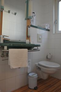 A bathroom at ibis Antwerpen Centrum