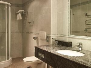 Koupelna v ubytování Esplanade Spa and Golf Resort