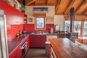 A kitchen or kitchenette at Nolyski
