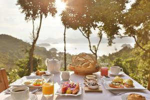 Frühstücksoptionen für Gäste der Unterkunft Ambong Pool Villas - Private Pool