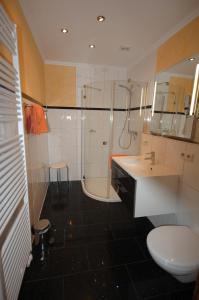 A bathroom at Ferienweingut Port