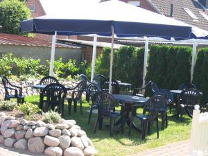 A restaurant or other place to eat at Karstens Gasthof