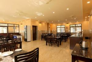 A restaurant or other place to eat at Charekh Food & Forest